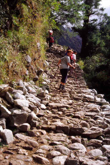 The ascent to Namche Bazar 11.352 feet